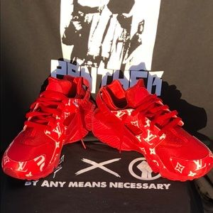 Supreme X Louis Vuitton Nike Triple Red